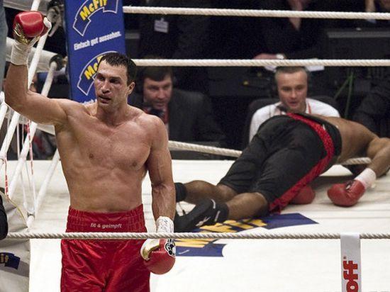 Владимир Кличко одержал 20-ю победу подряд на профессиональном ринге. Онлайн-трансляция боя