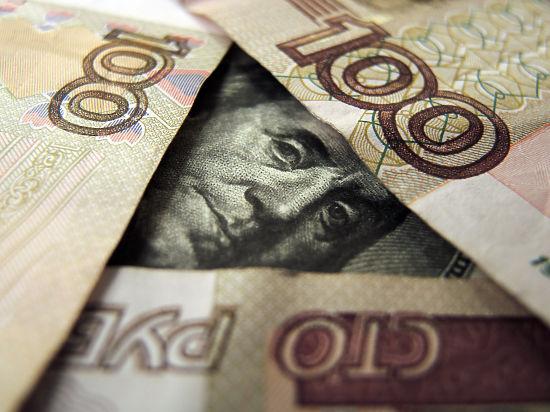 В России не будут ограничивать продажу долларов и евро
