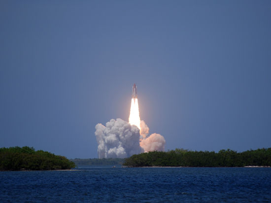 Процесс сборки космических аппаратов будут снимать на видео
