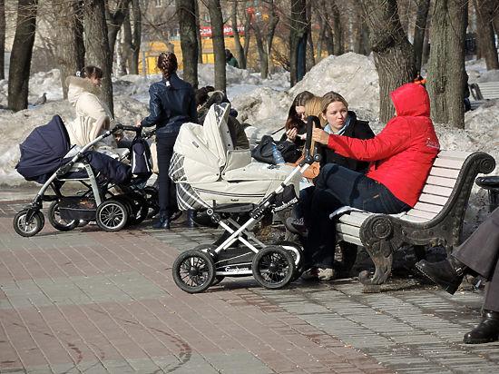 В период кризиса с бедными семьи власти заключат договора о матпомощи