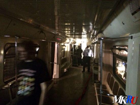 Страшная авария в подземке парализовала движение в Москве