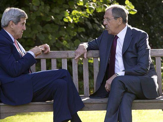 Лавров и Керри на встрече в Париже: США и России надо больше дружить