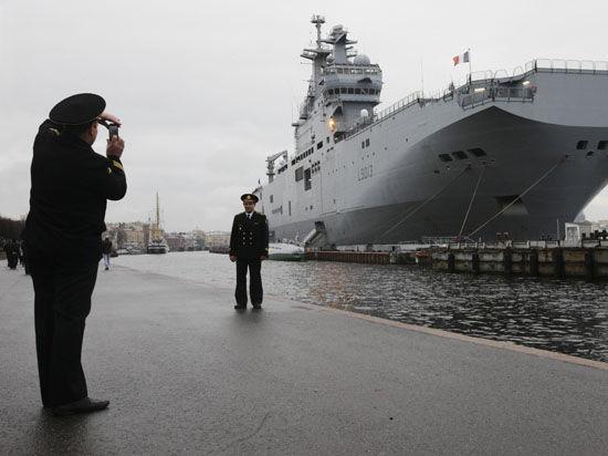 «Мистрали» на весах. Откажется ли Франция отдавать России вертолетоносцы?