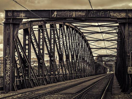 Мосты и здания превратили в музыкальные инструменты