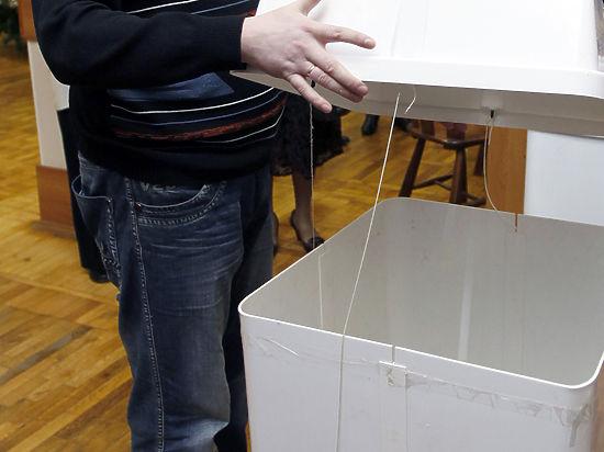 Украинцы идут на выборы: худшую явку показывают регионы зоны АТО
