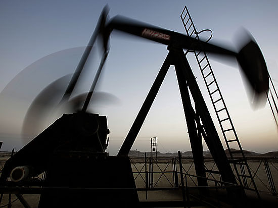 Нефть продолжает дешеветь. Стоимость барреля WTI опускалась до $74,09