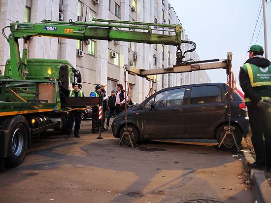 ГАИ решила отказаться от эвакуации машины, чей водитель забыл водительское удостоверение