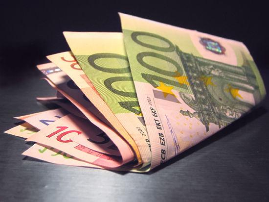 Нефтяной шок: Валютный рынок опять вернулся к 60 рублям за евро