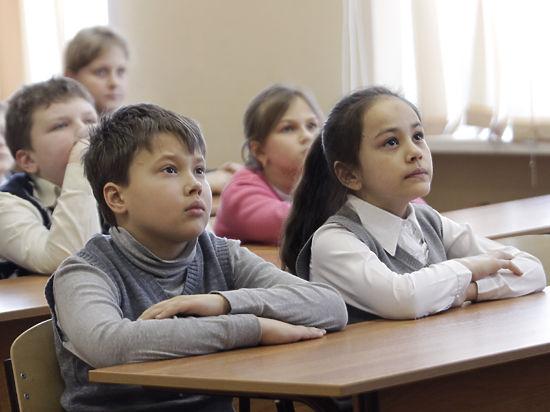 Калужских школьников заставят петь гимн каждый день