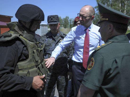 Украина вводит санкции против 172 граждан РФ и иностранцев, 65 компаний и грозит транзиту газа