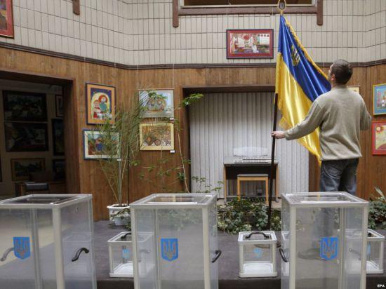 На выборы президента Украины отправят 800 российских наблюдателей
