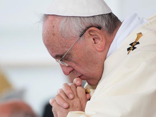 Папа Римский: Третья мировая уже началась из-за жадности и жажды власти