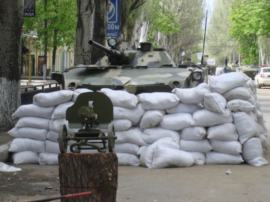Сенат США уговаривает Обаму выделить Киеву 100 млн долларов для войны
