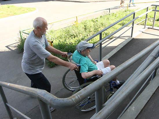 На помощь колясочникам бросят канаты