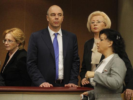 Силуанов против Глазьева: «гибкость» или гибель рубля?