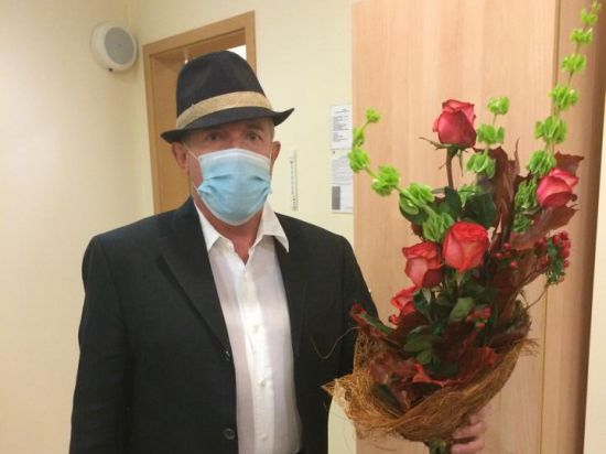 Неизвестные атаковали концерт Макаревича в Доме музыки, распылив газ