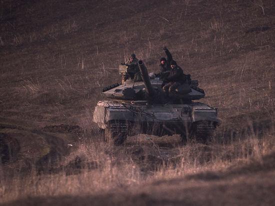 Украинские силовики начали отвод войск с Донбасса: выход техники пройдет в несколько этапов