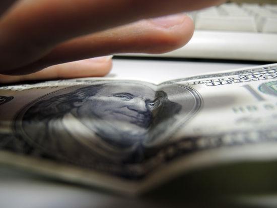 Минфин продлит агонию рубля валютными аукционами