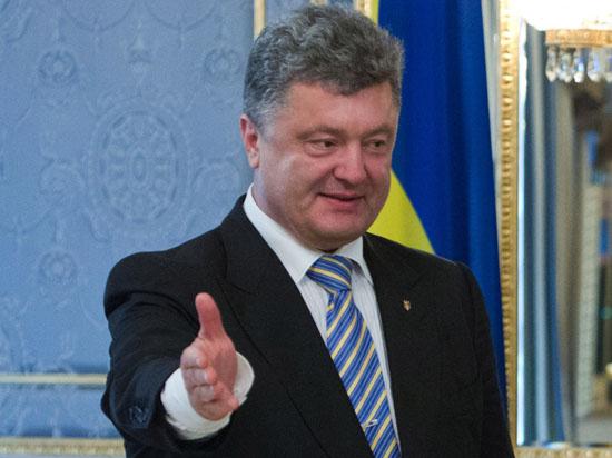 Порошенко спасает себя с помощью «вторжения российских войск»