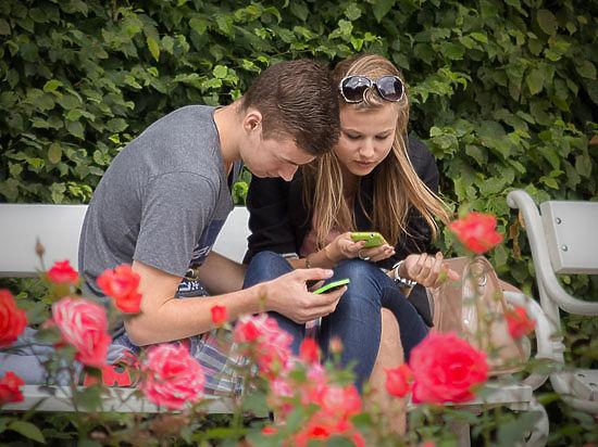Треть американцев готова отказаться от секса ради смартфона