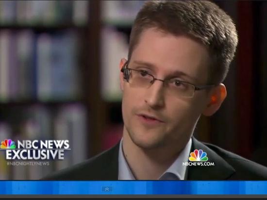 Сноуден хочет остаться в России
