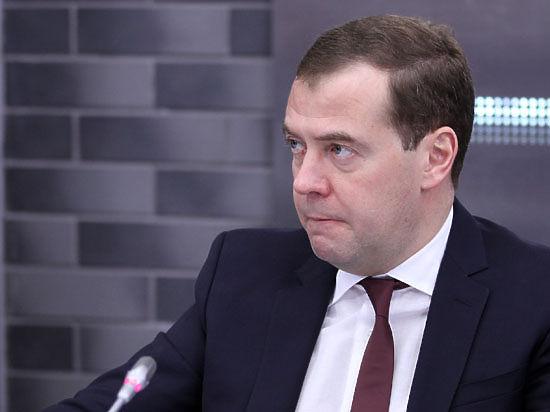 Пять главных вопросов к правительству Медведева