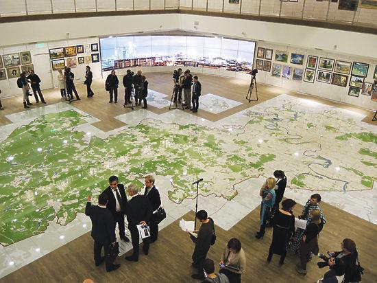 В столице появилась самая большая в мире напольная интерактивная карта