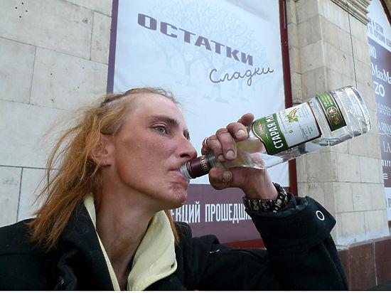 Сокращения потребления алкоголя россиянами добиться пока так и не удалось