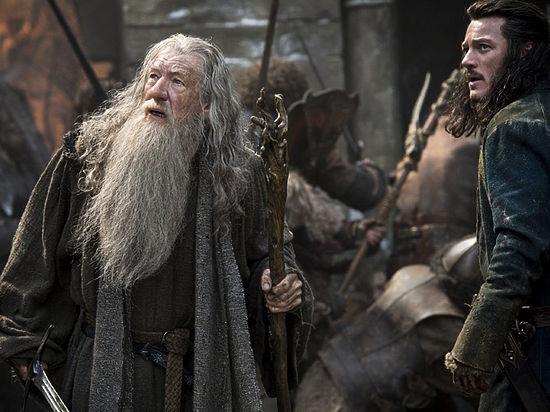 С «оком Саурона» над Москвой разбираются всем миром: в кино ждут