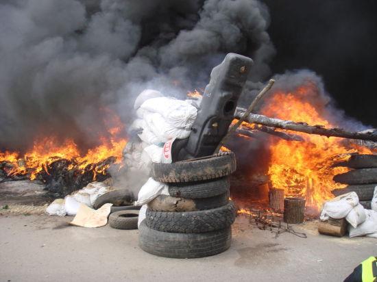 Перемирие по-украински: Ополченцы разбили колонну бронетехники, военные ведут артобстрел городов