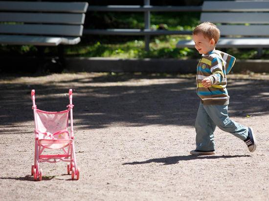 В Москве вручили Первую Московскую городскую премию за вклад в развитие семейного устройства детей-сирот «Крылья аиста»