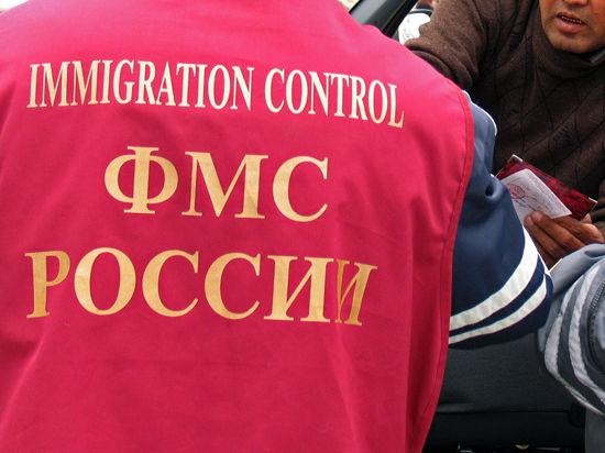 Начальник воронежской УФМС получил взятку люксовым внедорожником
