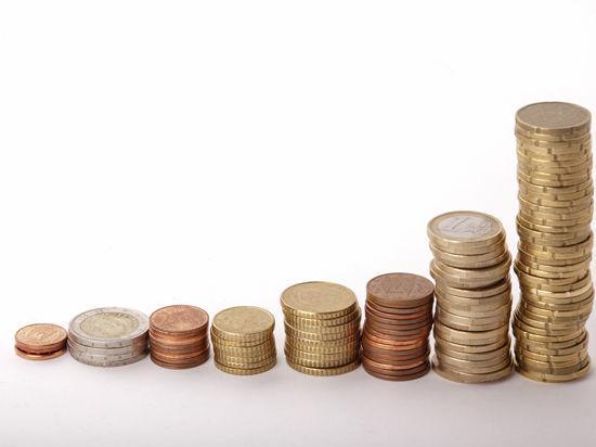 Курс евро и доллара вырос в ожидании санкций