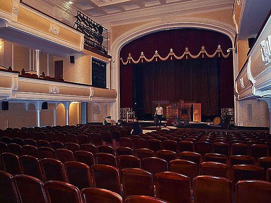 Новосибирский театр «Глобус» убрал по настоянию областного Минкульта главу из «Песен о Родине»
