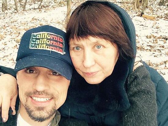 Дима Билан впервые показал фото с мамой