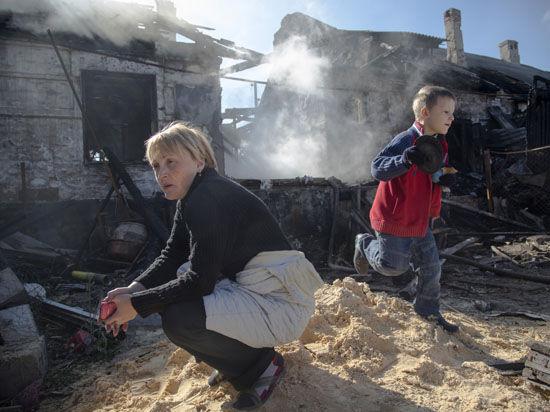 Кровь и доллары: Кто наживается на войнах в Украине и на Среднем Востоке?